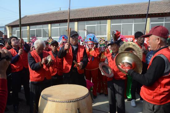 北高庄子秧歌队表演地秧歌