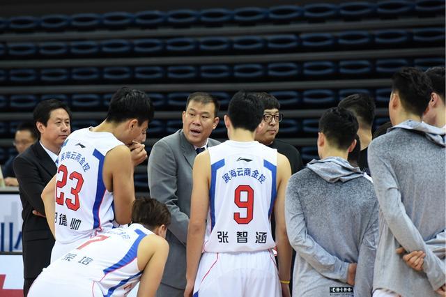 徐贵军:队员们背上了想赢怕输的包袱 告负很可惜