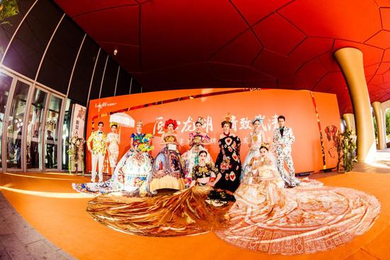 爱马仕橙主题外场布置 国际名模助阵