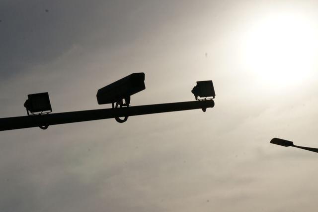 """这些""""车内违法""""别侥幸 大量电子警察在看着你"""