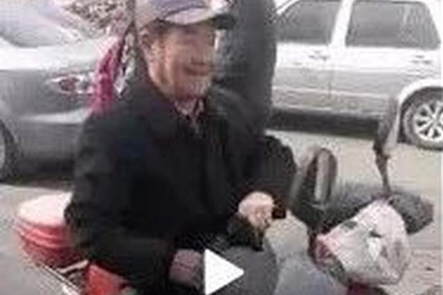 一半天津人都听过这网红大爷唱歌 原来他是唱给……