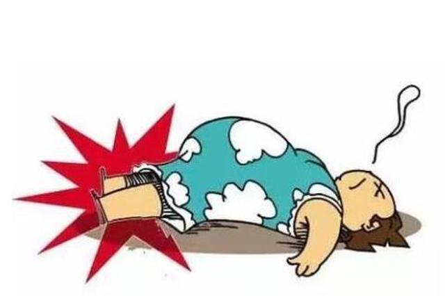 大港区一孕妇家中昏倒 消防官兵及时施救