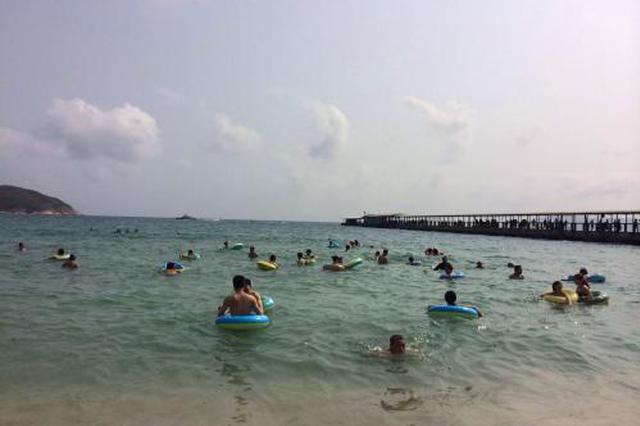 与东南亚海岛抢客源 暑期三亚游主打性价比