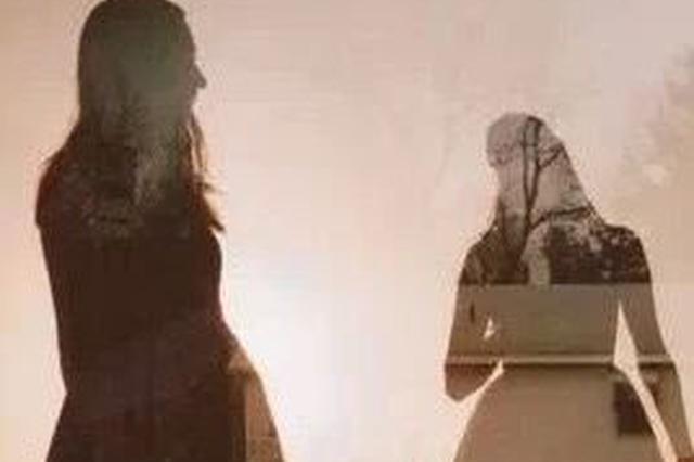 心事重重的男人:妻子离家出走 既盼她回又怕她回