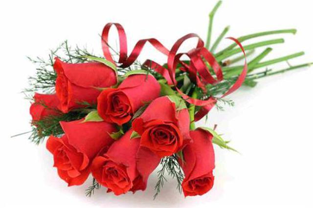 玫瑰花价格翻倍 订单暴涨商家加班加点打包送花