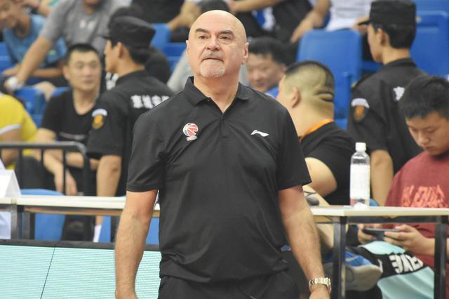 武贾尼奇:队员们很年轻 外援加入后队伍会更好