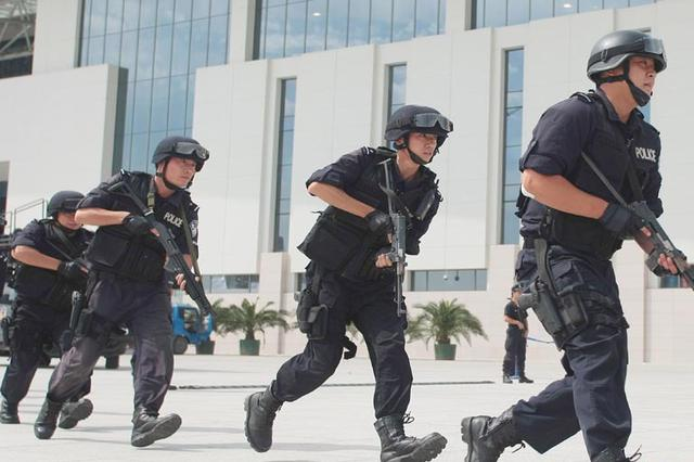 达沃斯安保人员:每一处安全 都在我心中