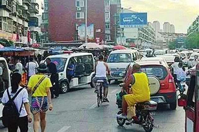 天津佳荣里街多措并举取缔龙武道占路市场
