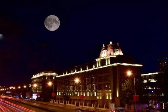 昨晚被中秋月亮刷爆 天津人看看谁拍得最美?