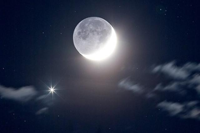 周日欣赏木星合月