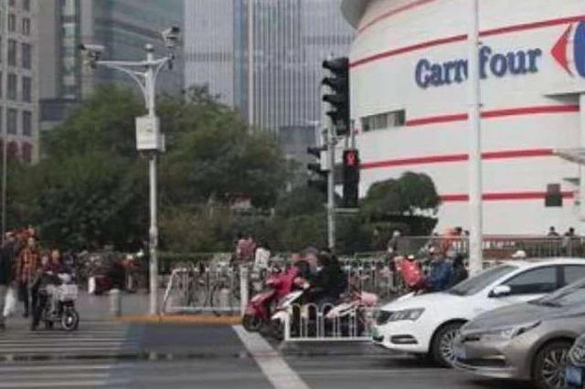 """天津市區首次啟用""""交通違法遠程警告廣播系統"""""""