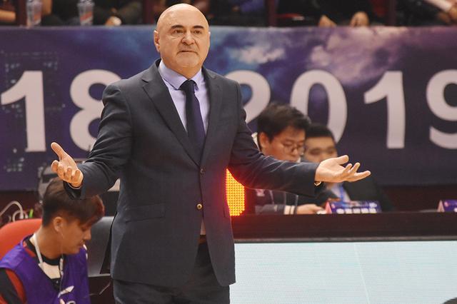 武贾尼奇:开局打的不好 球员应具备场上应变能力