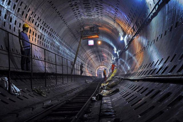 地铁Z1号线尖山路站主体自2月20日起开始施工