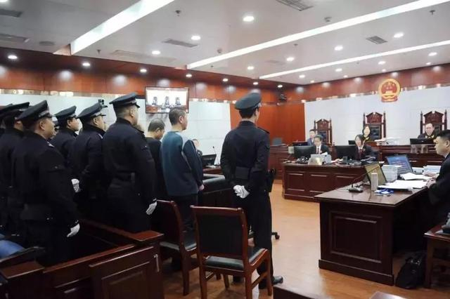 """滨海新区首起涉黑案件公开宣判 重拳击碎""""泰州帮"""""""