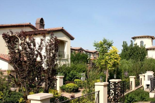 新买的房子下雨家被泡 中惠·团泊湾花园屋漏为哪般