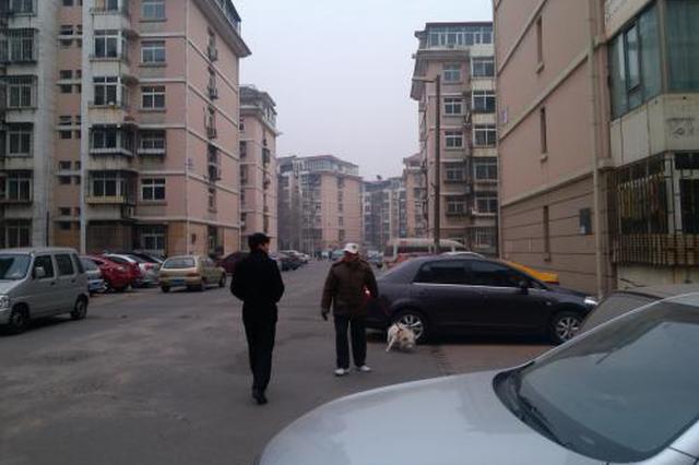 物业公司撤出9个月 隆春里小区有点乱