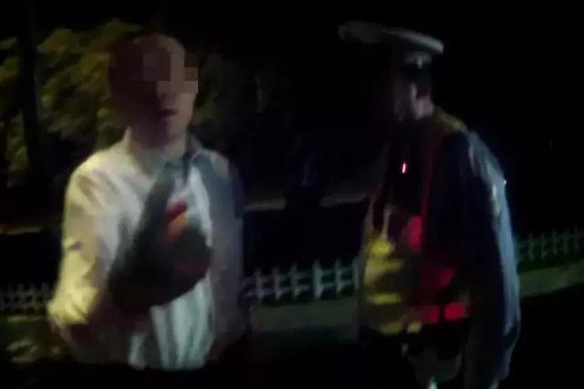天津一男子酒后辱骂夜检值勤交警 被依法行政拘留5天