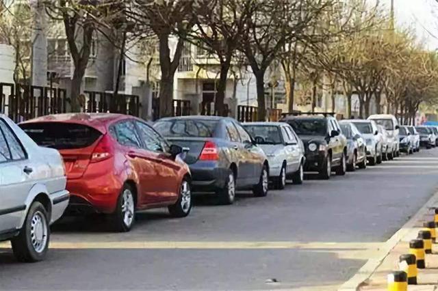 聚焦《天津市文明行为促进条例》 129条重点道路停车秩序明显
