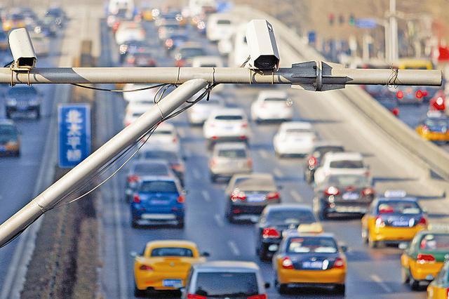 聚焦《天津市文明行为促进条例》 机动车违规掉头少了