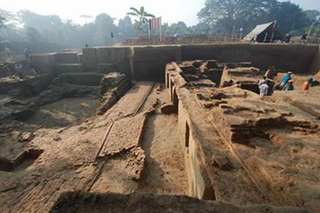 上层明清 下层商周 蓟州城区发现三层大型古墓群