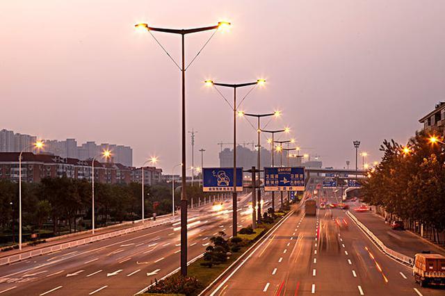 天津:路灯改造提升 今年投入3亿元