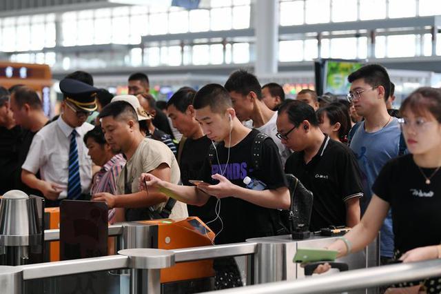 2019年中国铁路暑运启动