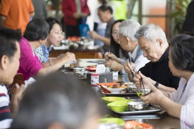 """天津要开""""老人食堂""""啦!餐费、补贴标准确定"""