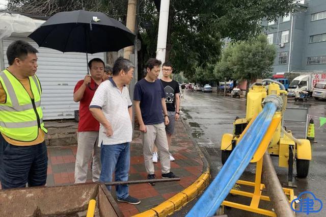 排水人员70小时坚守 天津市主要道路和地道无明显积水