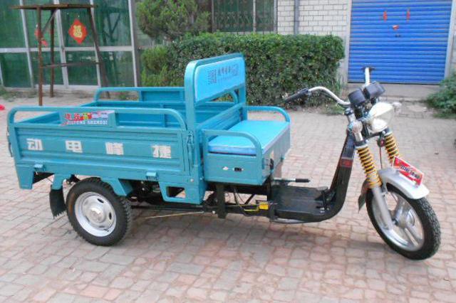 津城350余辆次违法上路三轮车被罚