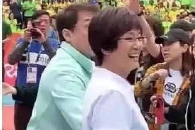 《中国女排》来天津拍摄成龙探班 巩俐演郎平神还原