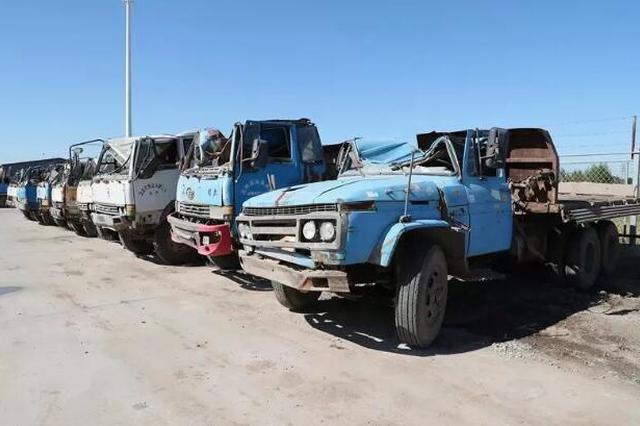 群众举报交警深挖细查 14辆拼装车被查获