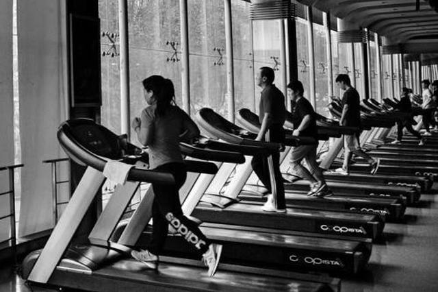 """健身房频频""""消失""""办卡人维权无门 健身行业乱象治不了?"""