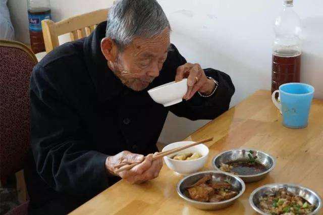 天津已开设老人家食堂469家 10余万老人享受助餐服务