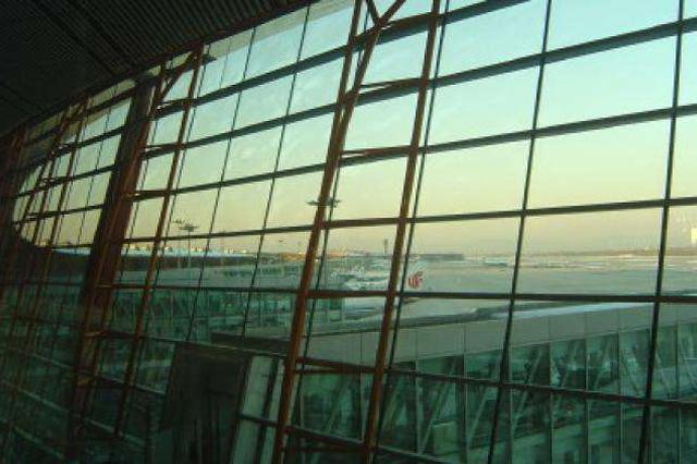 赴京国际航班调整总体平稳 承接地海关已做好应对准备