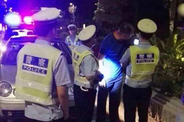 拒绝盘查后逃跑 暴力袭警被刑拘