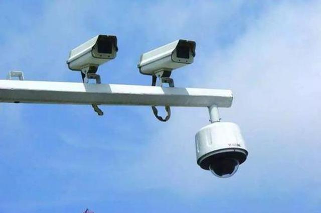 增设禁停标志、标线 早高峰苑中路段电子警察查违