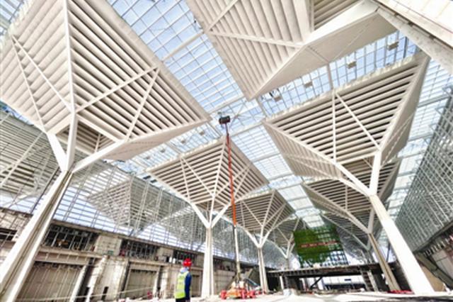 一期展馆主体于2020年5月底提前完成封顶 国家会展中心建设跑