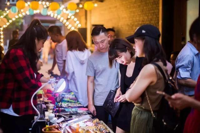 """""""五一""""假期津城消费市场持续火热 重点商企实现销售12.6亿元"""
