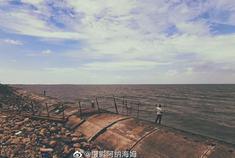 漫步东疆湾休闲看海