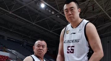 潘长江与篮球运动员的最萌身高差