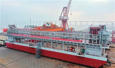 驻津央企打造大国重器 图片由中交一航局提供