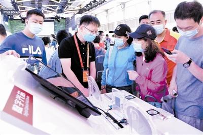 京津冀相关单位共同研发的全球分辨率最高的数字光场芯片亮相。