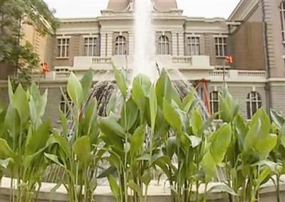 《金粉世家》第一个镜头就是工商学院旧址主楼