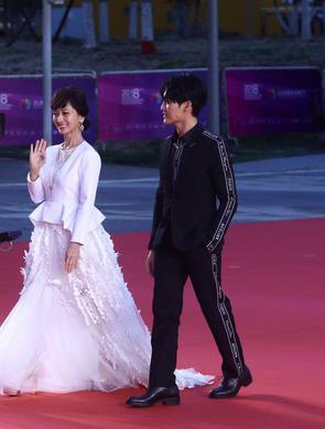 北京国际电影节 女星花裙比美春意盎然