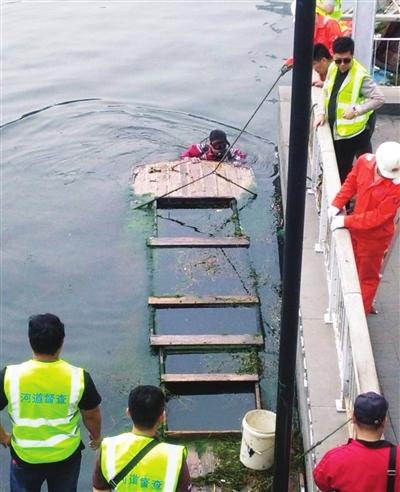 沉船打捞现场