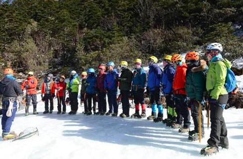 大年初五,队员们到达第一站,位于海拔2700米的哈巴村起步营。