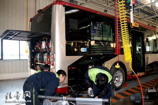 天津银隆新能源有限公司总装车间装配