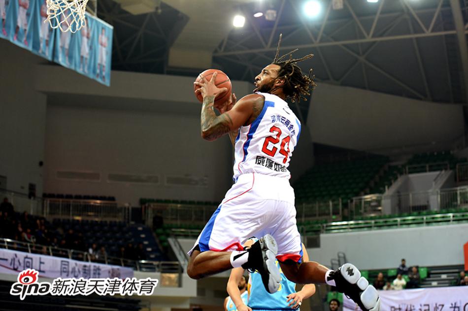 CBA-威廉姆斯低迷 天津男篮102-129负于福建男篮