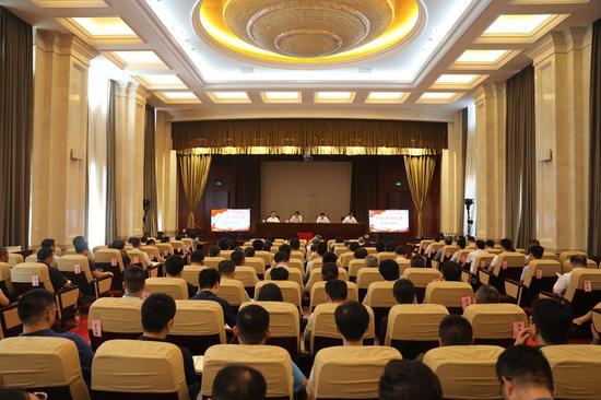 市委政法委召开机关党委换届选举大会