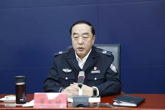 副市长、市公安局局长董家禄出席会议并讲话。